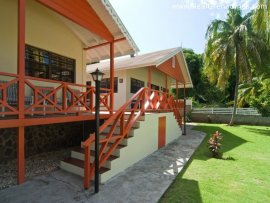 Kingsville Cottages (2 Bedroom)